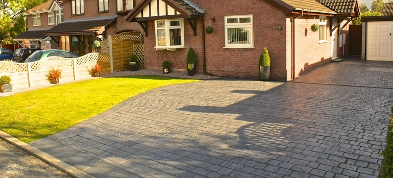 Textured cobble driveway - Winsford