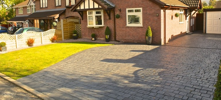 Textured cobble driveway - Winsford